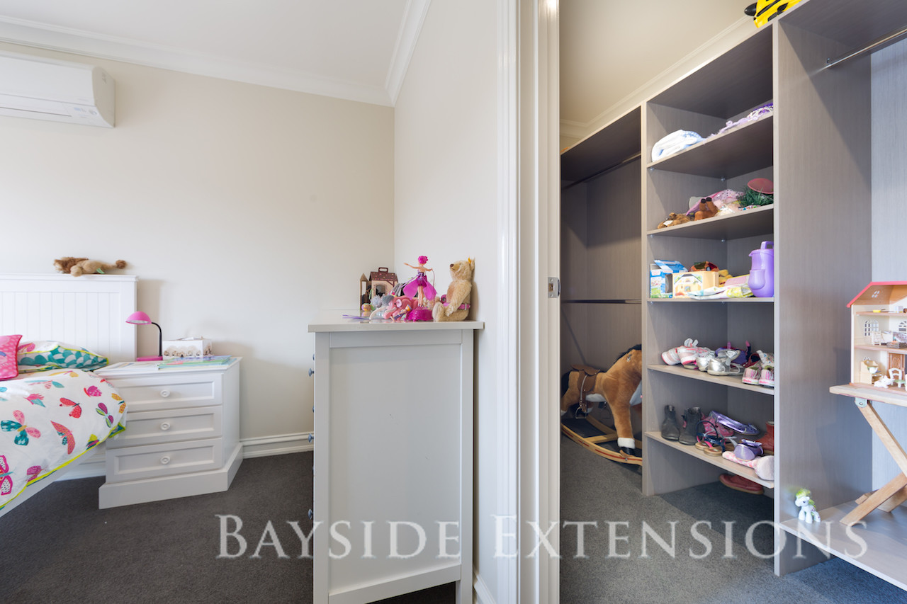 a young girl's bedroom